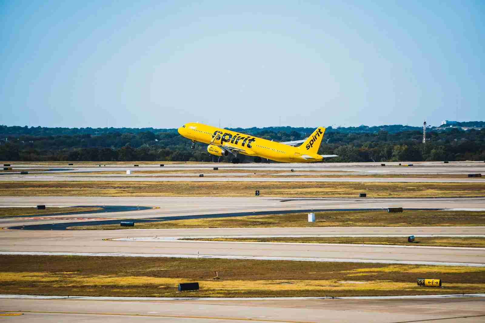 A Spirit Airlines aircraft takes off from Detroit. (Photo by JT Genter/T{G)