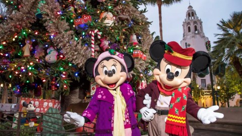 Holiday Christmas.Disneyland Christmas Everything You Need To Know