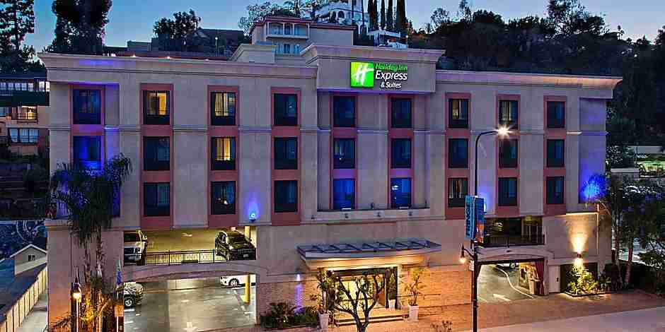 The Holiday Inn Express & Suites LA is an affordable jumping off point for families. (photo courtesy of the hotel)