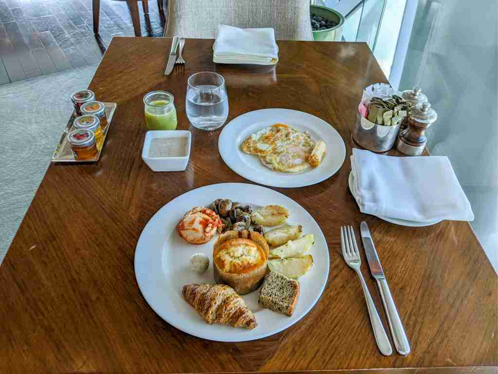 Breakfast at the Hyatt Andaz Capital Gate Abu Dhabi (Photo by Katie Genter/The Points Guy)