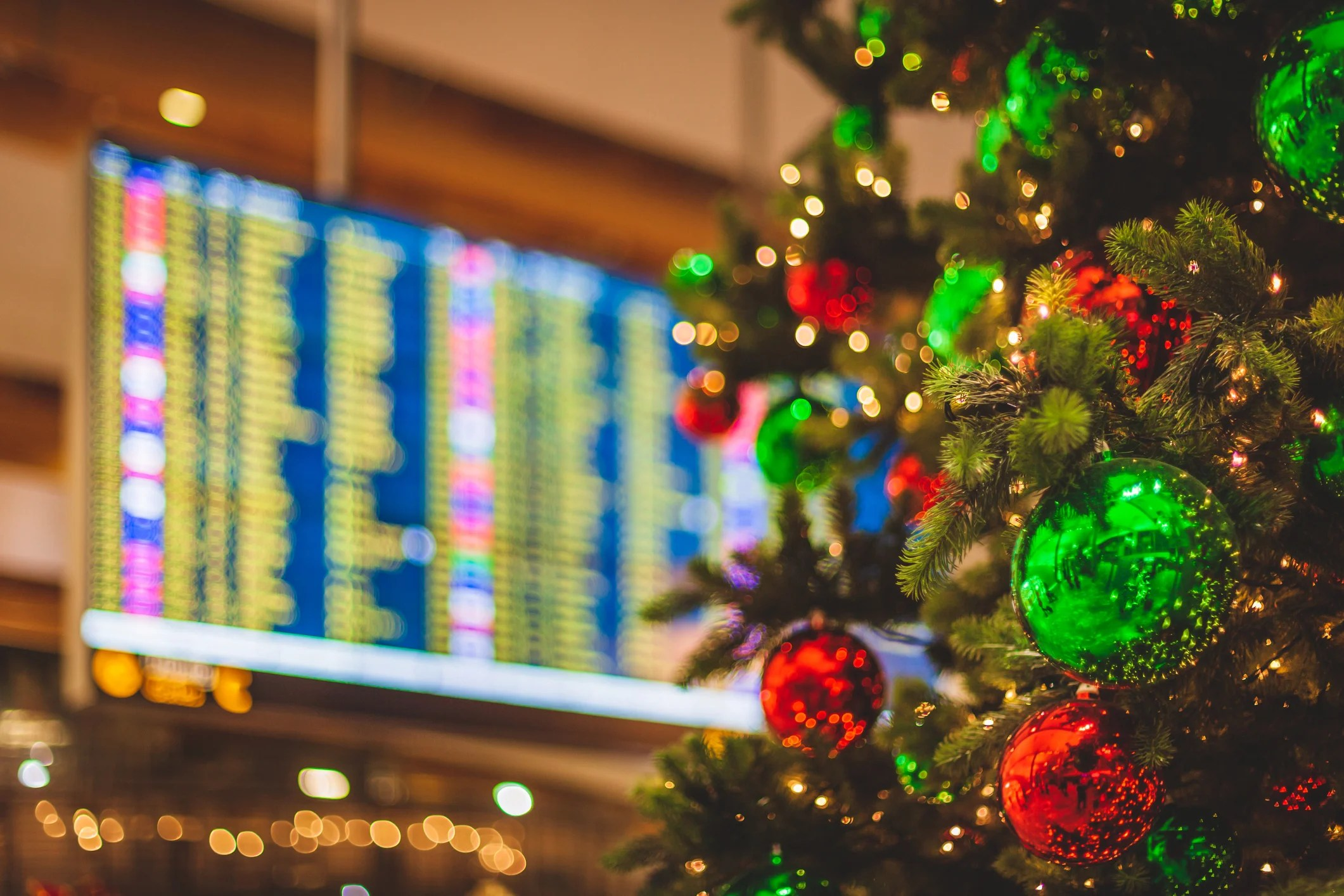 Holiday travel doesn't have to be the worst — 9 ways to make it better