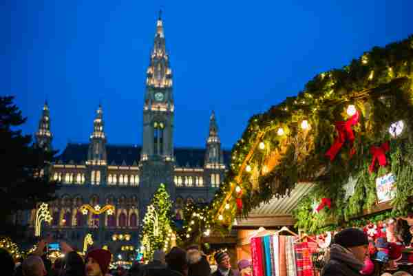 Rathausplatz Christmas Market by the Town Hall in Vienna. (Photo by Danita Delimont/Getty Images)