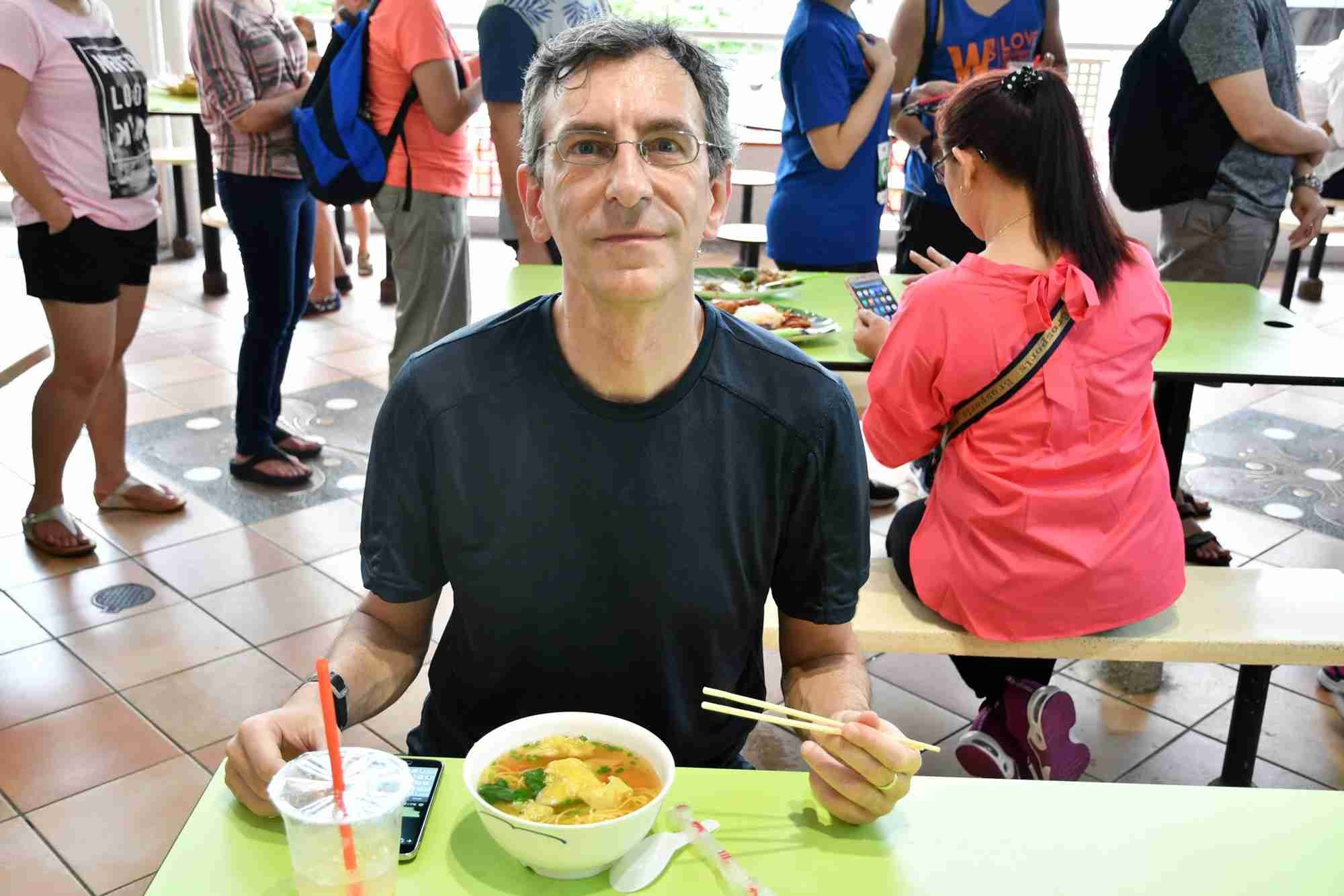 Street food while data-roaming in Singapore. (Image by the author)