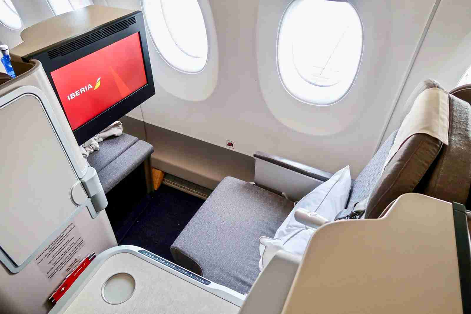 Iberia A350 Business Class (Photo by Christian Kramer/The Points Guy)