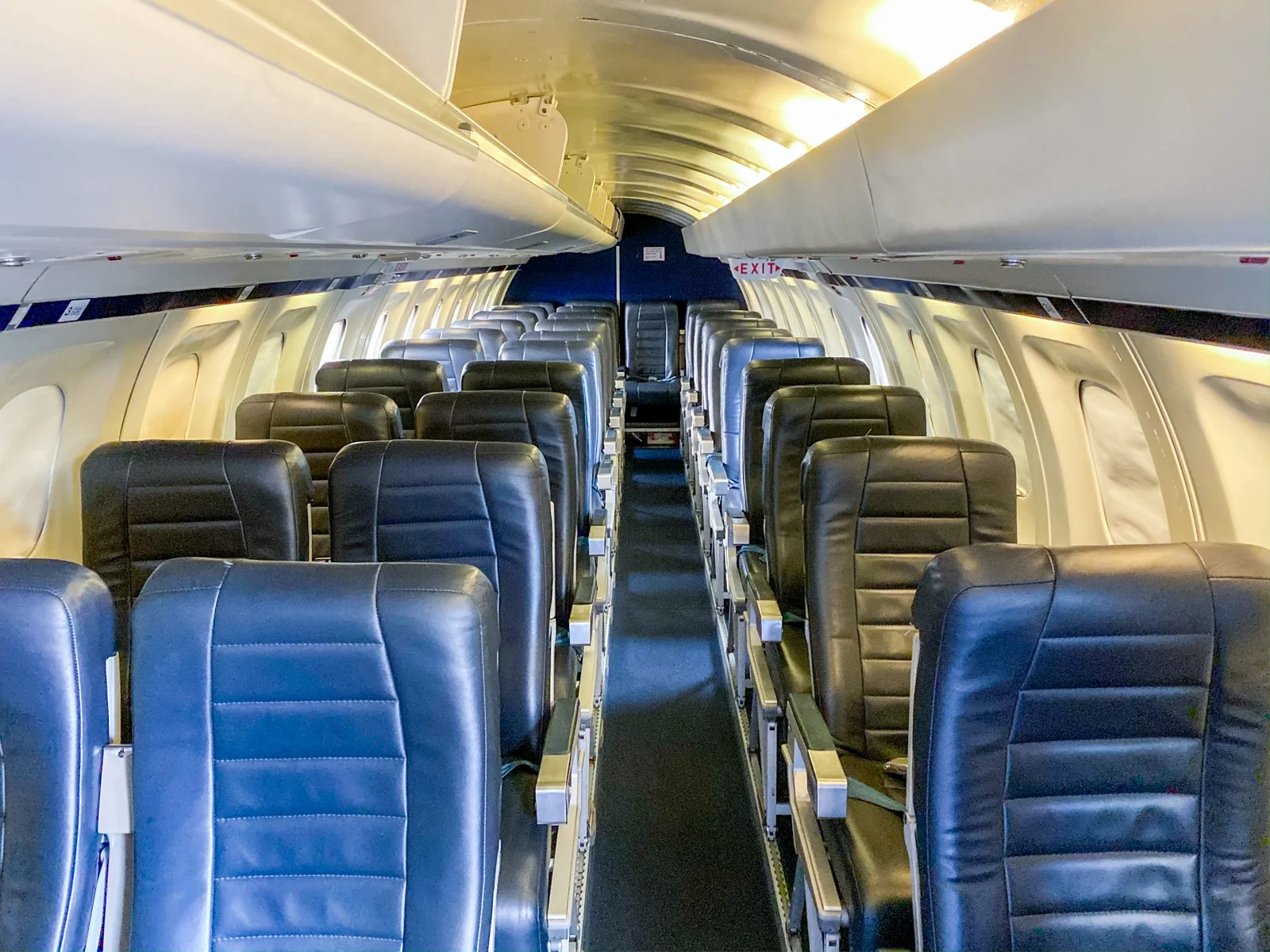 Your ticket to paradise: What it's like to fly on a Seaborne Airlines Saab 340B turboprop