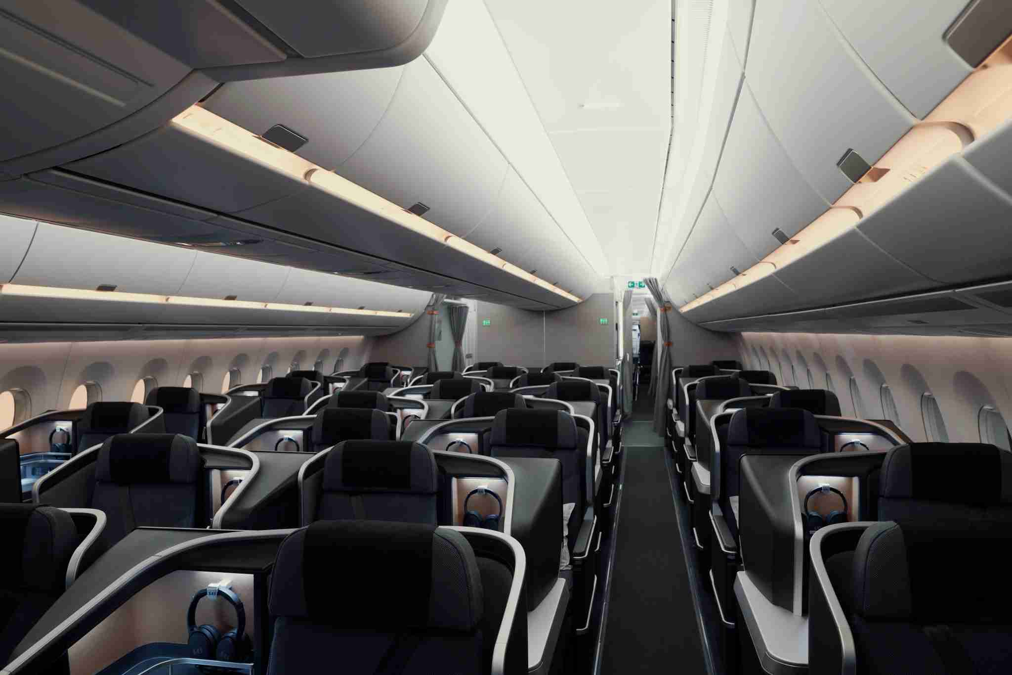 SAS A350 business class. (Image courtesy of SAS.)