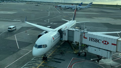Successfully completing a status challenge: AA Executive Platinum to Delta Platinum