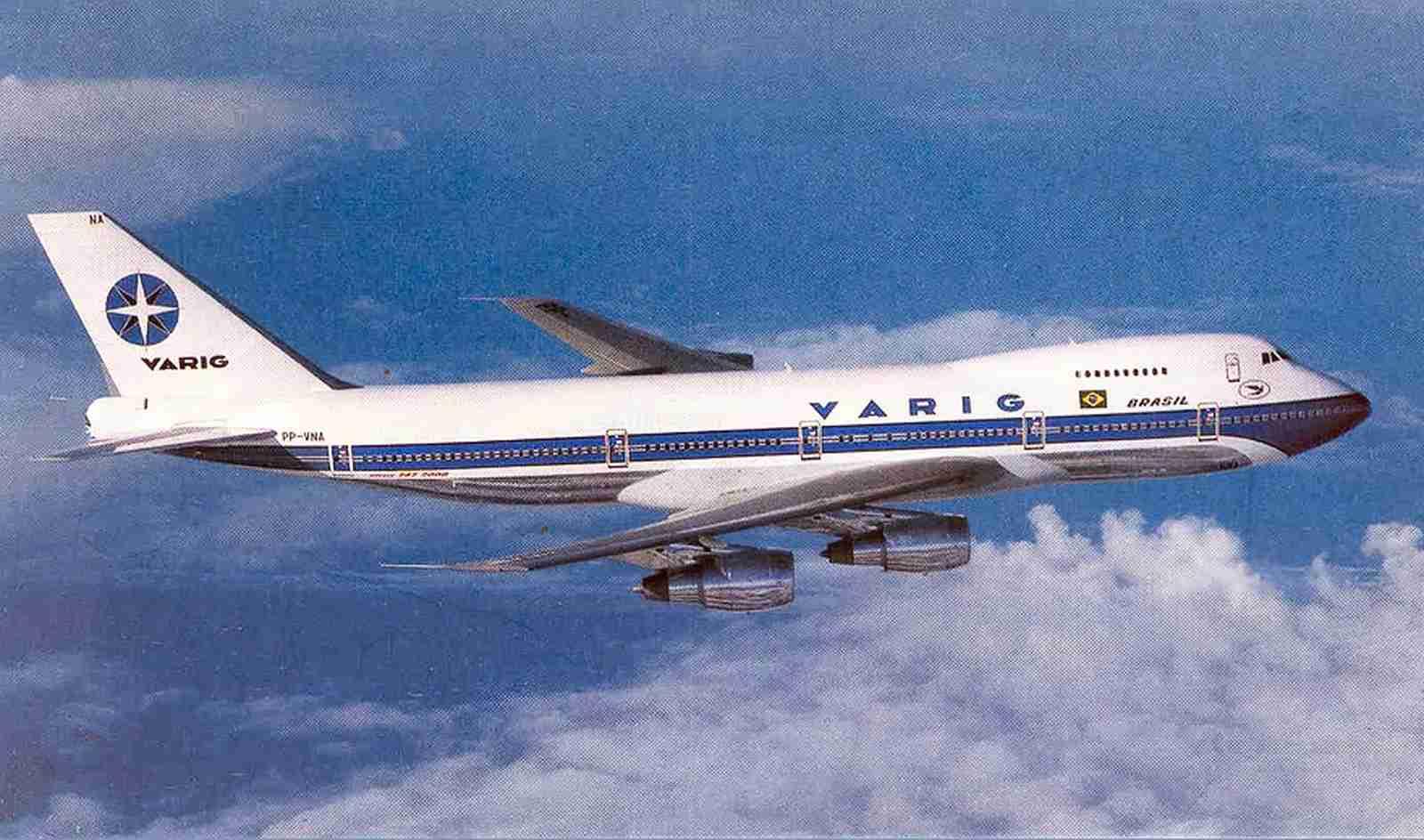 Varig's stylish, 80s-era uniform seen on a 747-200.