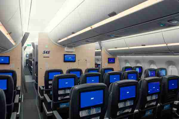 SAS A350 premium economy. (Image courtesy of SAS.)