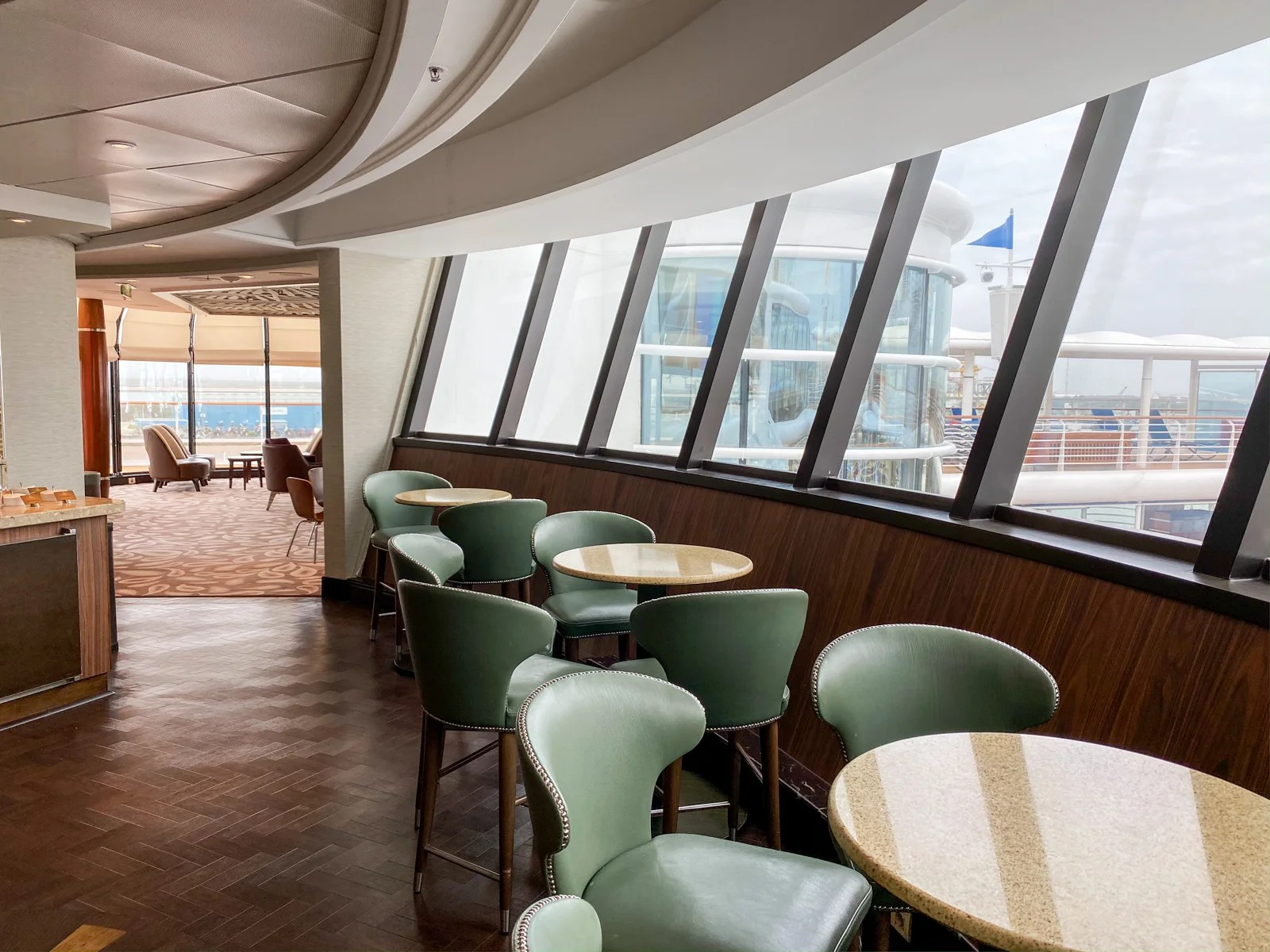 Disney Wonder concierge lounge (Photo by Summer Hull/The Points Guy)