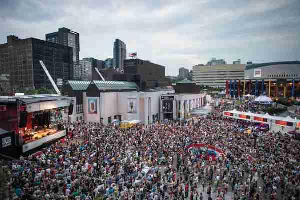 Montreal Jazz Fest (Photo courtesy of Destination Canada)