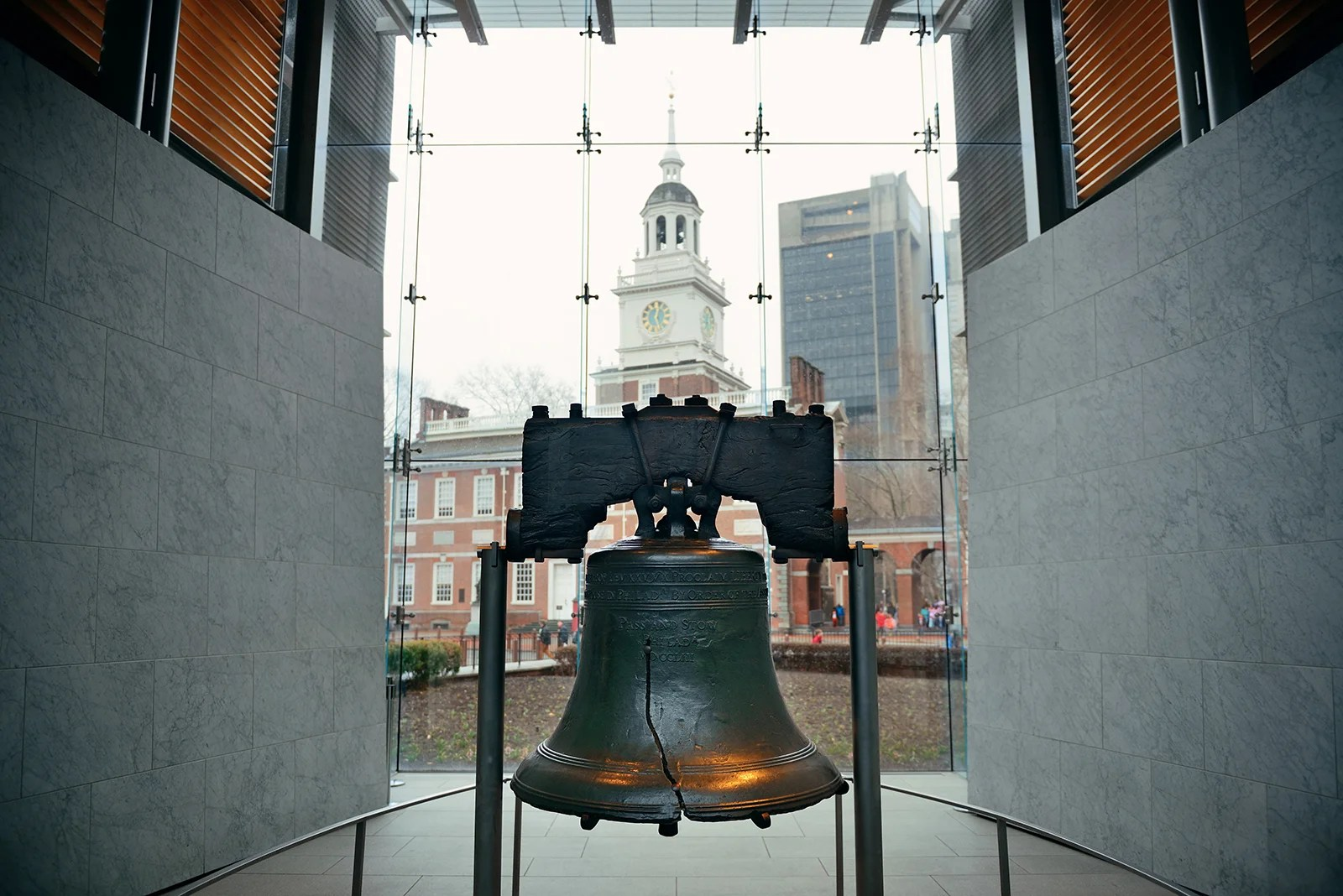 Liberty Bell and Independence Hall in Philadelphia. (Photo by rabbit75_ist/Getty Images)