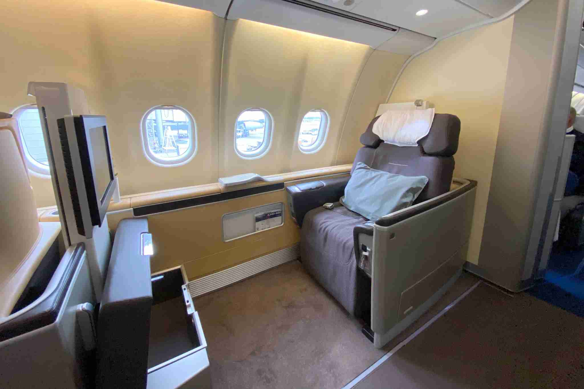 Lufthansa First Class (Photo by Zach Honig/The Points Guy)