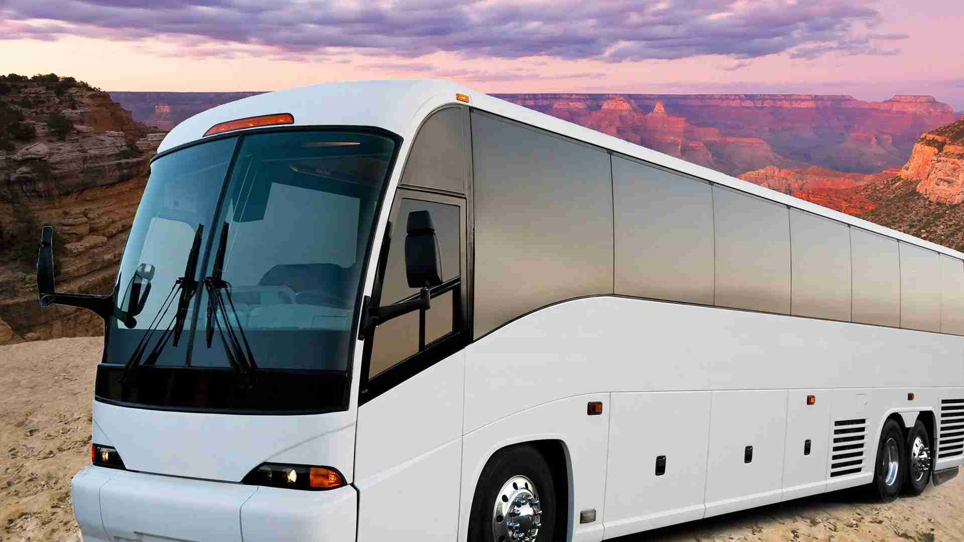 Tour companies offer luxury motorcoach rides from Las Vegas to the Grand Canyon (Photo by Papillon Grand Canyon Tours).