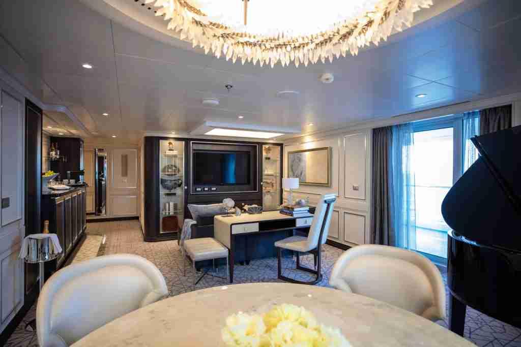 A Master Suite on the new Seven Seas Splendor. (Photo courtesy of Regent Seven Seas Cruises)