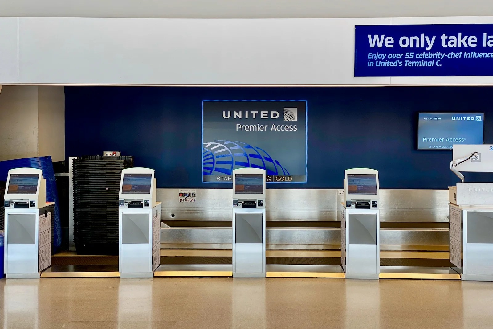 A complete guide to United Airlines' baggage fees and policy - The Points Guy