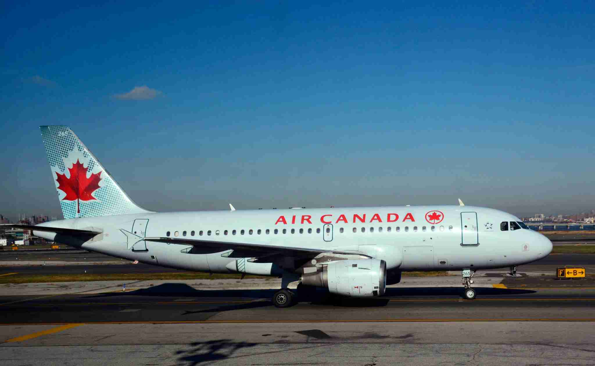 An Air Canada Airbus A319 is seen at New York LaGuardia in 2017. (Photo by Robert Alexander/Getty Images)