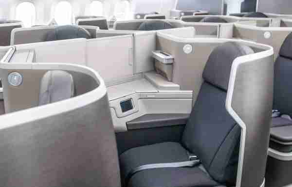 American Airlines enhanced business class on the Boeing 787-8 (Photo courtesy American Airlines)