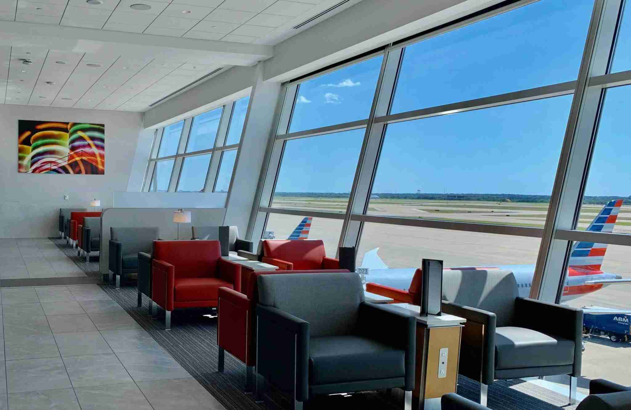 The American Airlines Admirals Club at Dallas/Fort Worth International Airport. (Photo by Chris Dong/The Points Guy)
