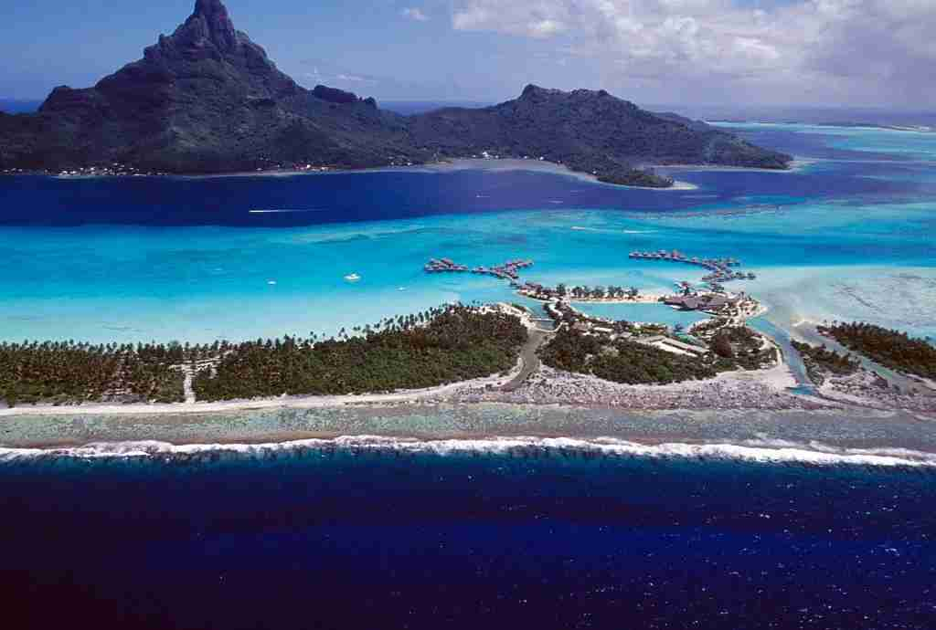 hotel in Bora Bora, aerial view, Society islands, French Polynesia. (Photo by DeAgostini/Getty Images)