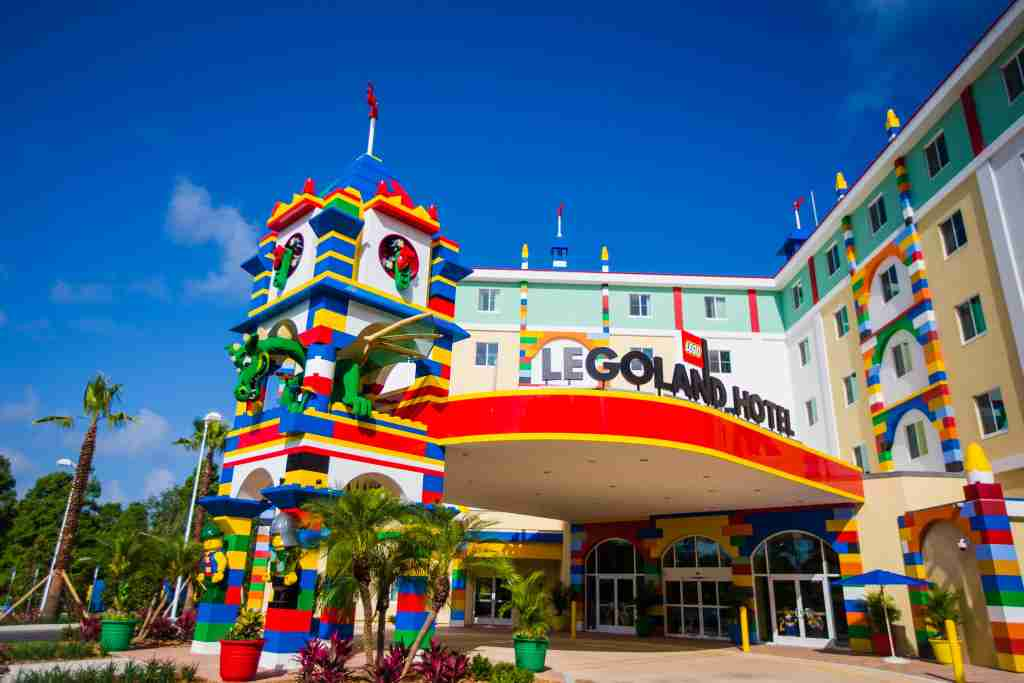 Legoland Hotel (PHOTO / Chip Litherland for LEGOLAND Florida/Merlin Entertainments Group Inc.)