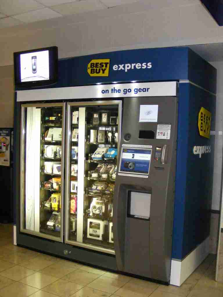A Best Buy Express vending machine at Minneapolis-St. Paul International Airport (Photo by Benét J. Wilson/The Points Guy)