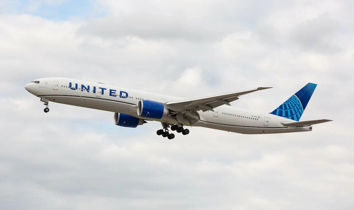 United brings back low-cost award flights
