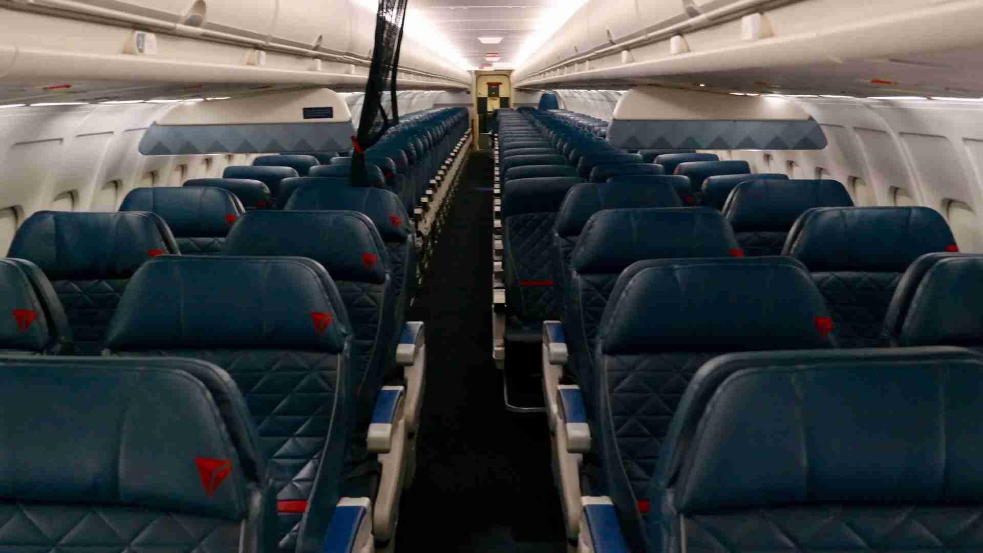 El interior de un Delta MD-88.  (Imagen de Edward Russell / TPG)