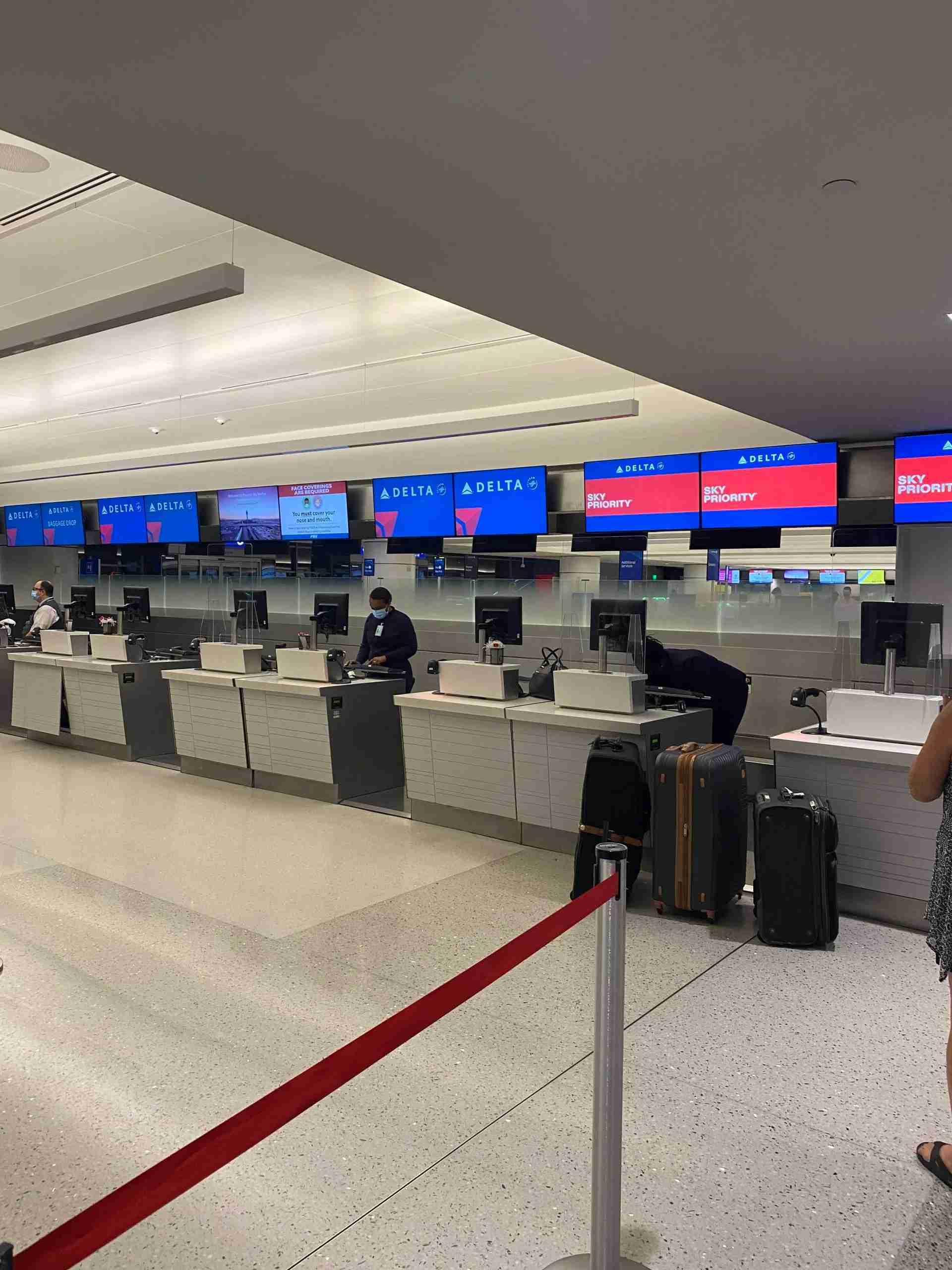 Delta check-in during coronavirus at Phoenix.