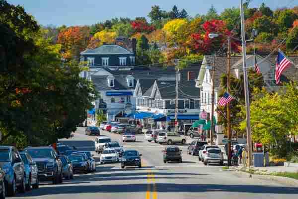 USA, New Hampshire, Lake Winnipesaukee Region (Walter Bibikow/Getty Images)