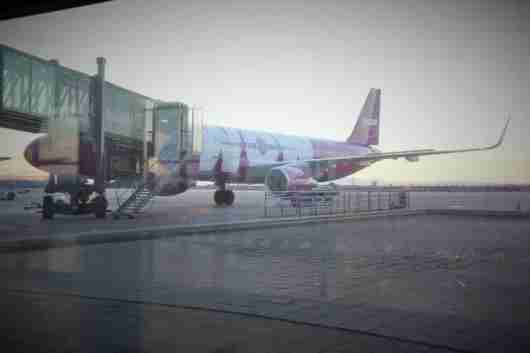 WOW plane at Keflavik International (KEF).