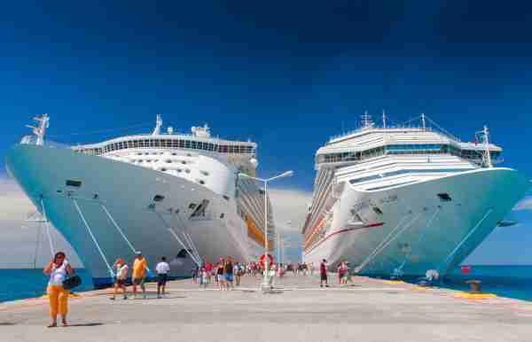 Royal Caribbean Mariner of the Seas and Carnival Valor in Philipsburg, Saint Martin
