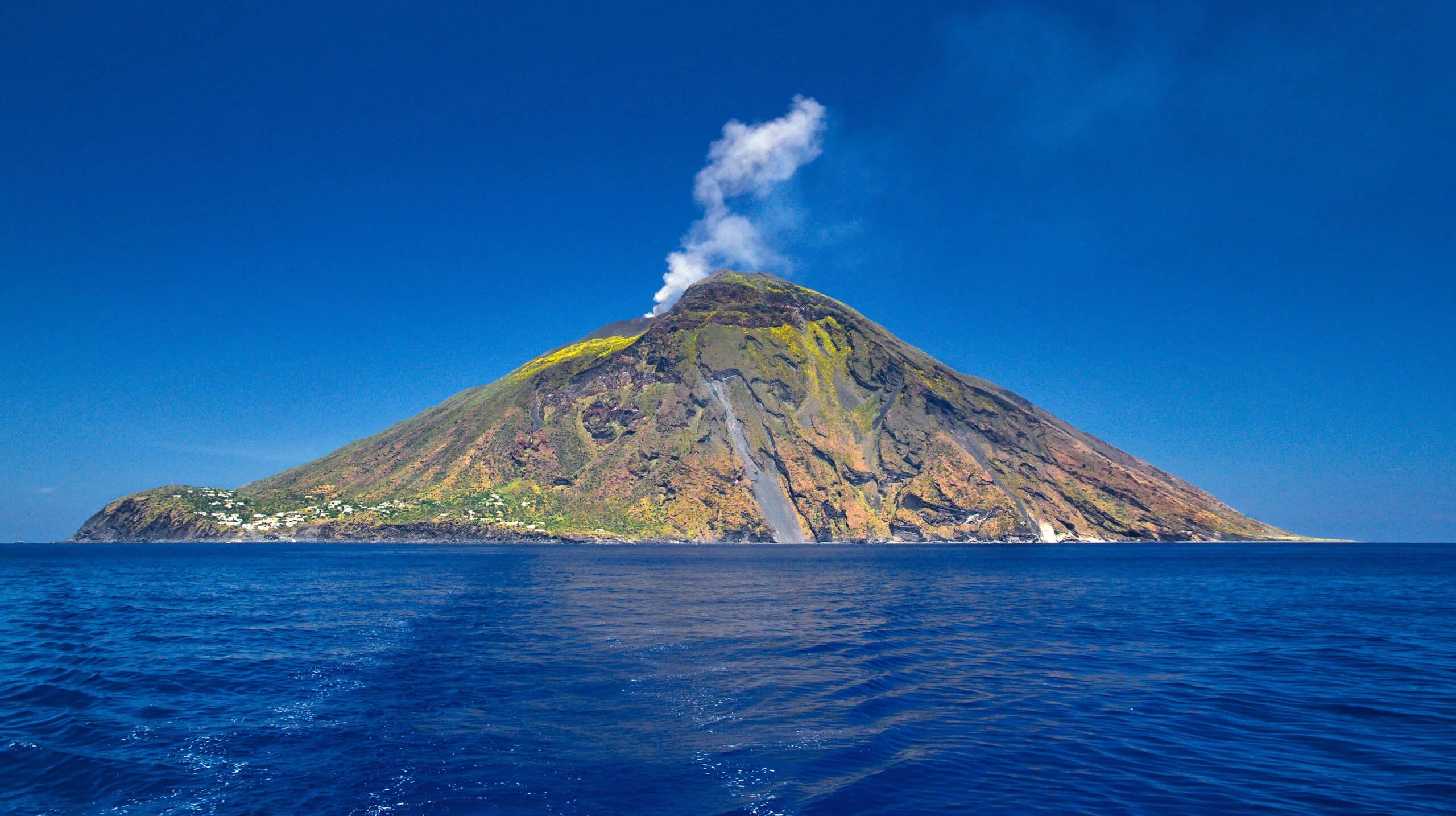 6 reasons to visit Italy's Aeolian Islands