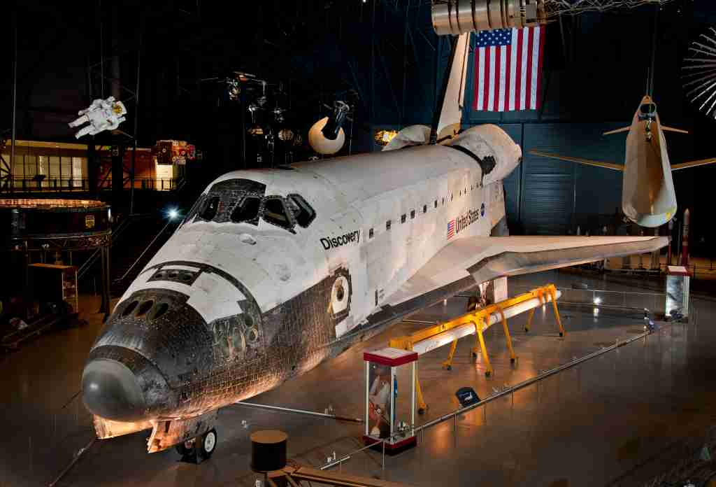 Shuttle Discovery (image courtesy of the Smithsonian)