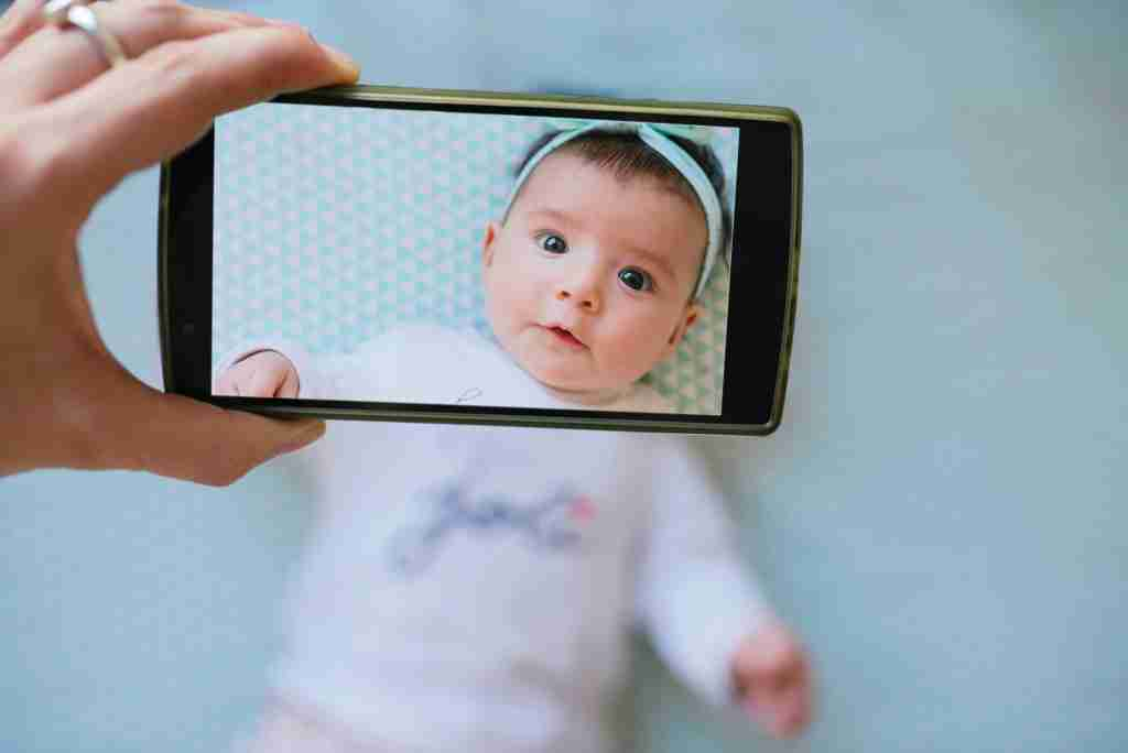 taking baby photo with smartphone