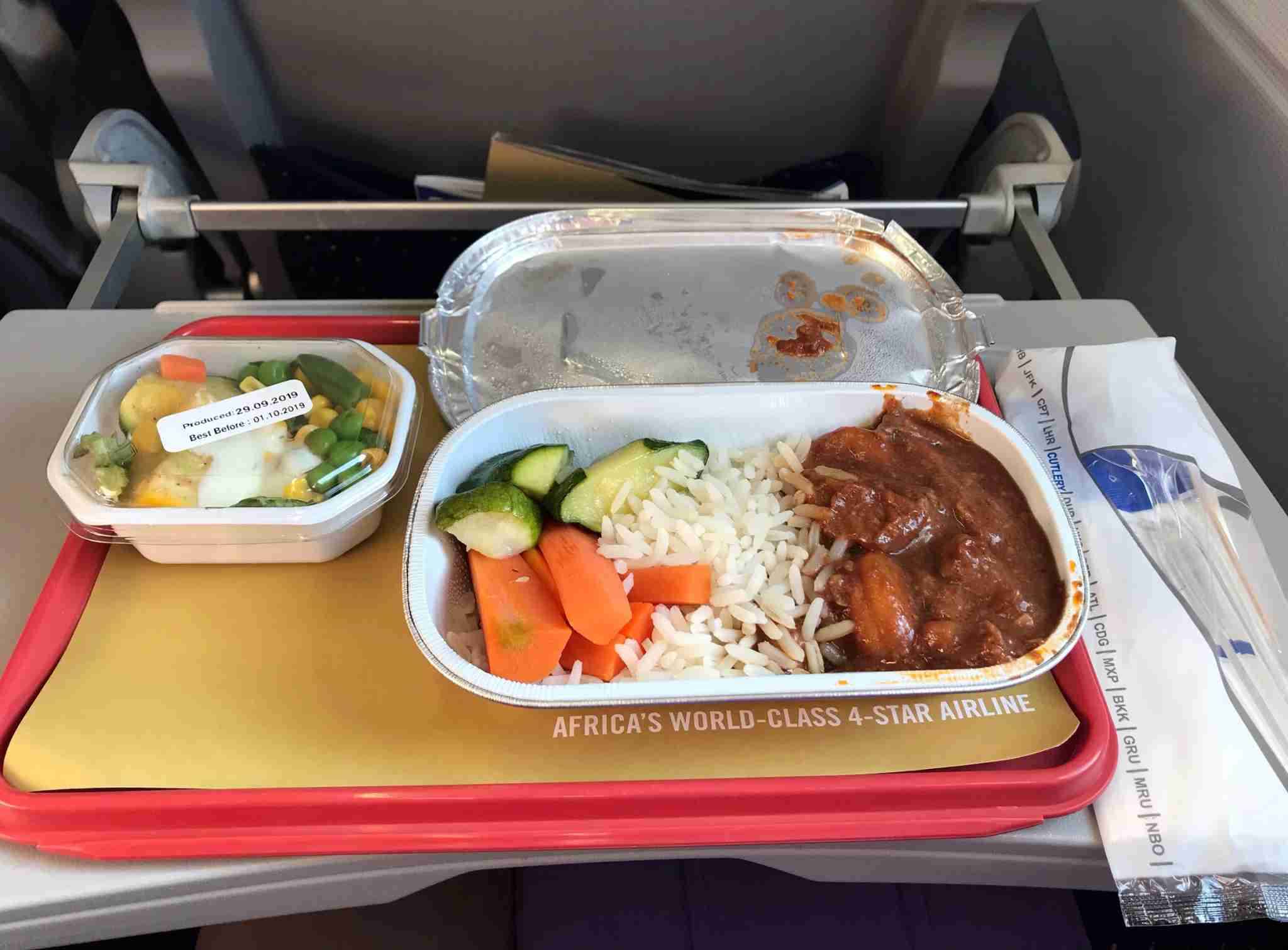 Economy meal on South African Airways (Photo by Patrick Smith)