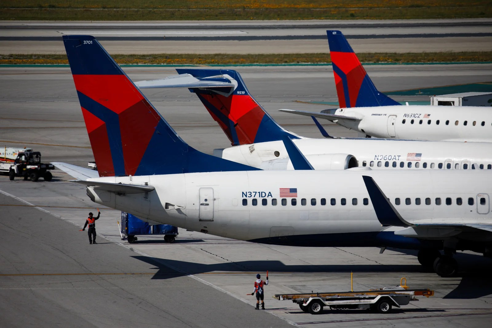 Delta Air Lines Is Allowing Changes to Dominican Republic Flights After Tourists' Deaths