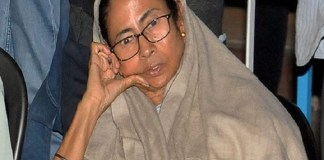 Mamata on indefinite 'Dharna'; promises to save country and constitution