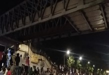 Footover bridge collapses in Mumbai, 6 people die