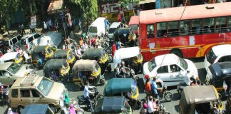 Improving mobility in India by uncongesting congested roads