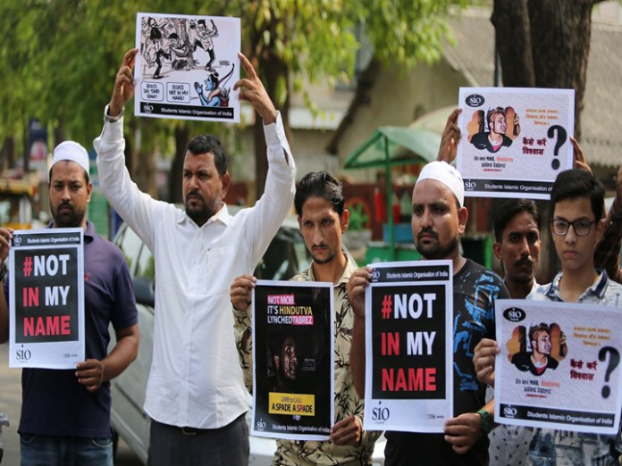 Indian mainstream media busy in promoting hatred against Muslims, senior journalists admit