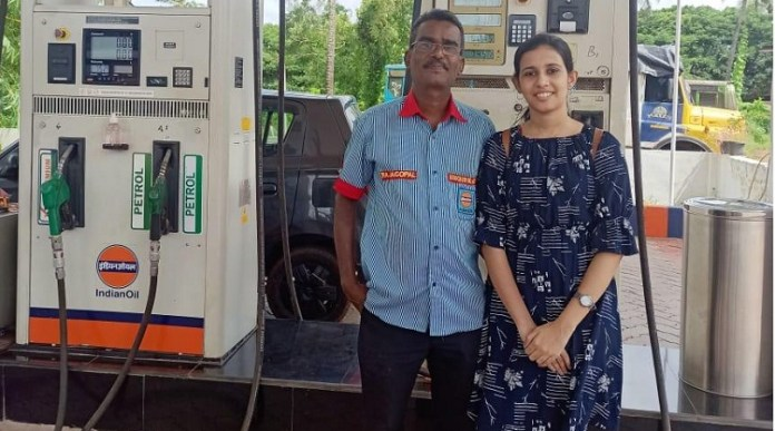 Daughter of a gas station employee gets into IIT and receives kudos on internet