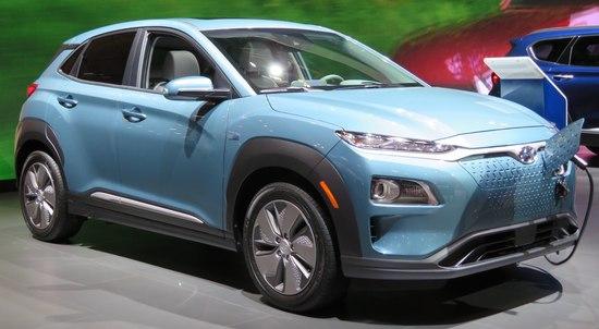 2019_Hyundai_Kona_Electric_front_charging_4.2.18.jpg
