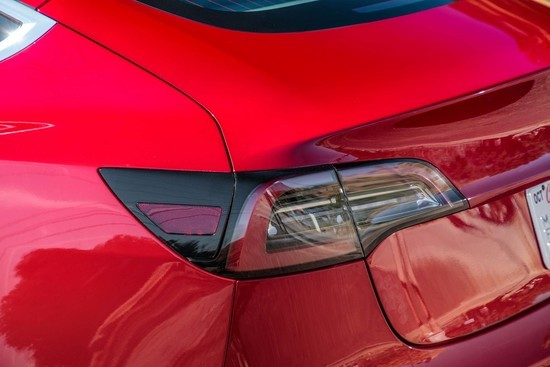 Tesla-Model-3-rear-taillight.jpg