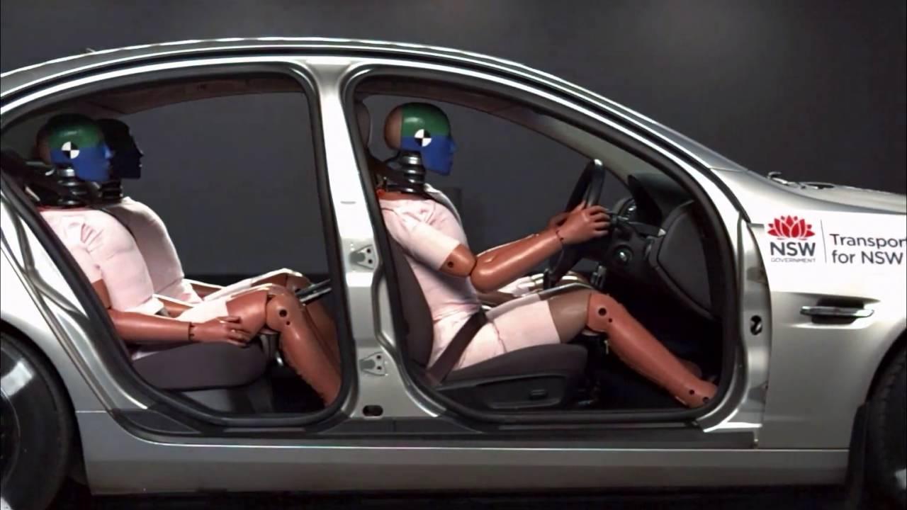 Crash Test - Belted vs Unbelted Passengers