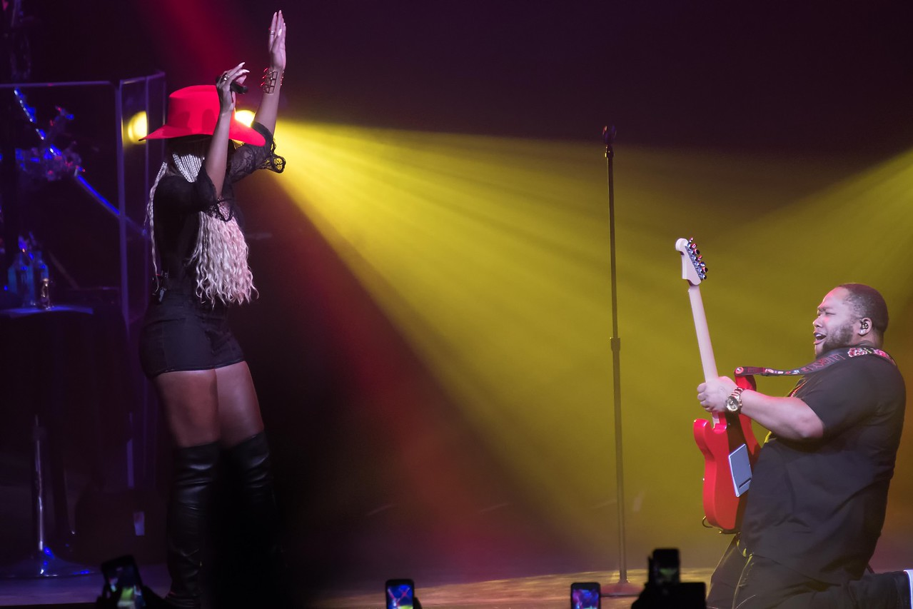 Mary J  Blige Brings Down the House at The Borgata in Atlantic City