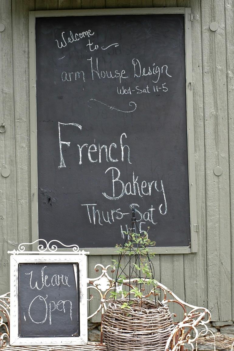 La Mademoiselle Macaron-French Bakery-thepoppyskull.com