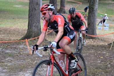 Adults race in Brownwood Park. Photo by Doug Hazard