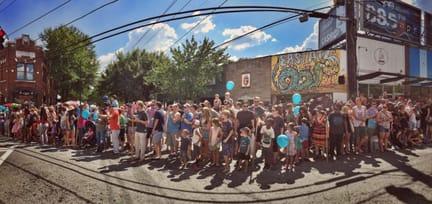 Parade watchers in 2016. Photos by Lauren Grijalva