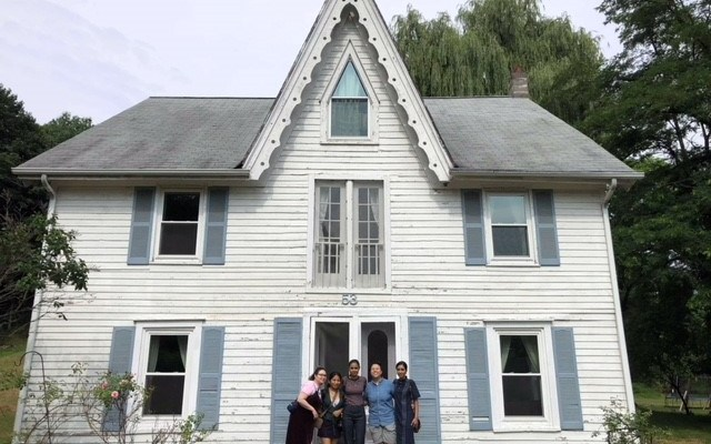 Group Couples Getaway: Hudson Valley Style